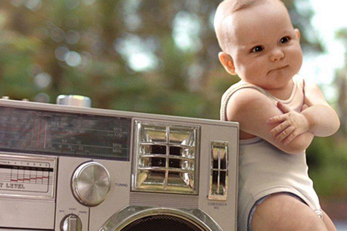 bebe qui danse