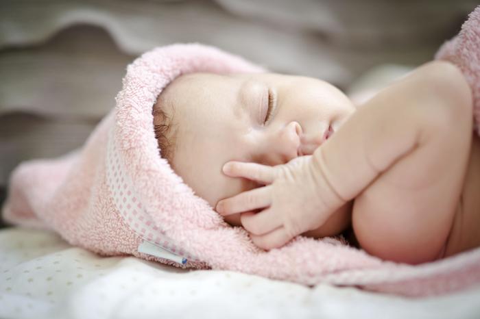 Top 5 des vid os de b b s qui dorment royaume b b - Truc pour faire dormir bebe dans son lit ...
